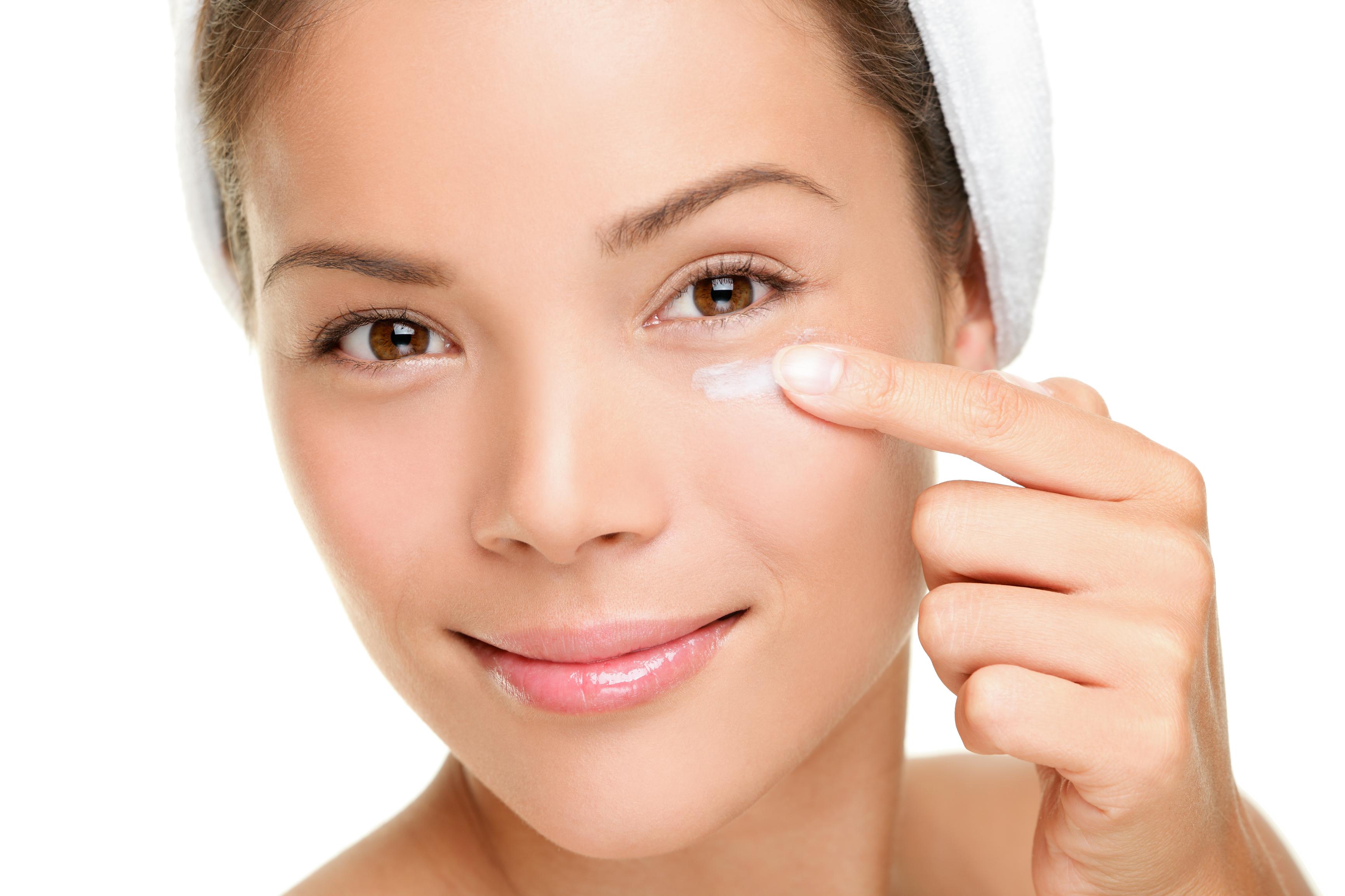 טיפולי פנים לעור פנים שמן או מעורב